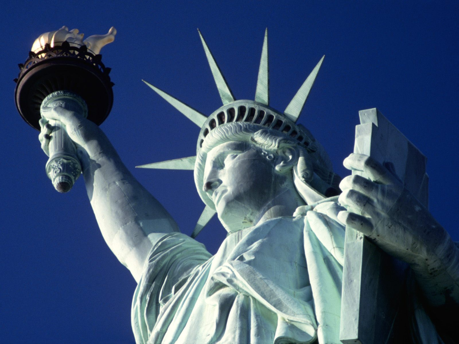 http://www.twintravelconcepts.com/wp-content/uploads/2013/02/statue-of-liberty.jpg