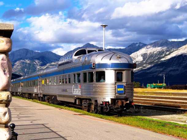 canada-rail