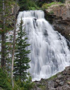 yellowstone-falls